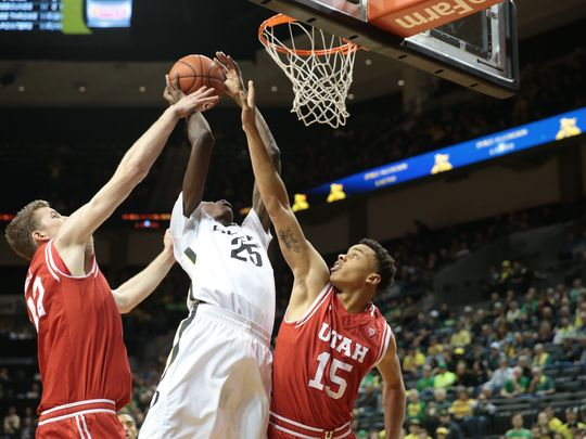 635917587797106346-usp-ncaa-basketball-utah-at-oregon-79491238