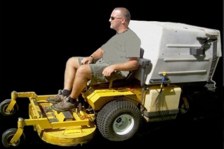 750x500-ehow-images-a05-rh-t9-change-blades-zero_turn-radius-lawnmower-800x800