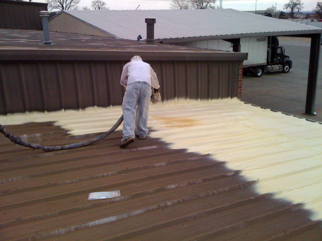 rigid-spray-foam-insulation-for-commercial-roofs
